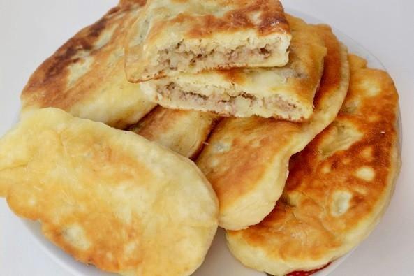 Жареные пирожки с картофелем и печенью на кефире. Вкусно по-домашнему!
