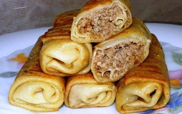 Идеальный рецепт блинчиков с мясом, запечённых в духовке