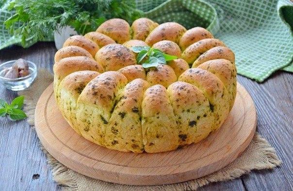 Выпекаем обалденный пшеничный хлеб с зеленью и чесноком. Удивительный рецепт!