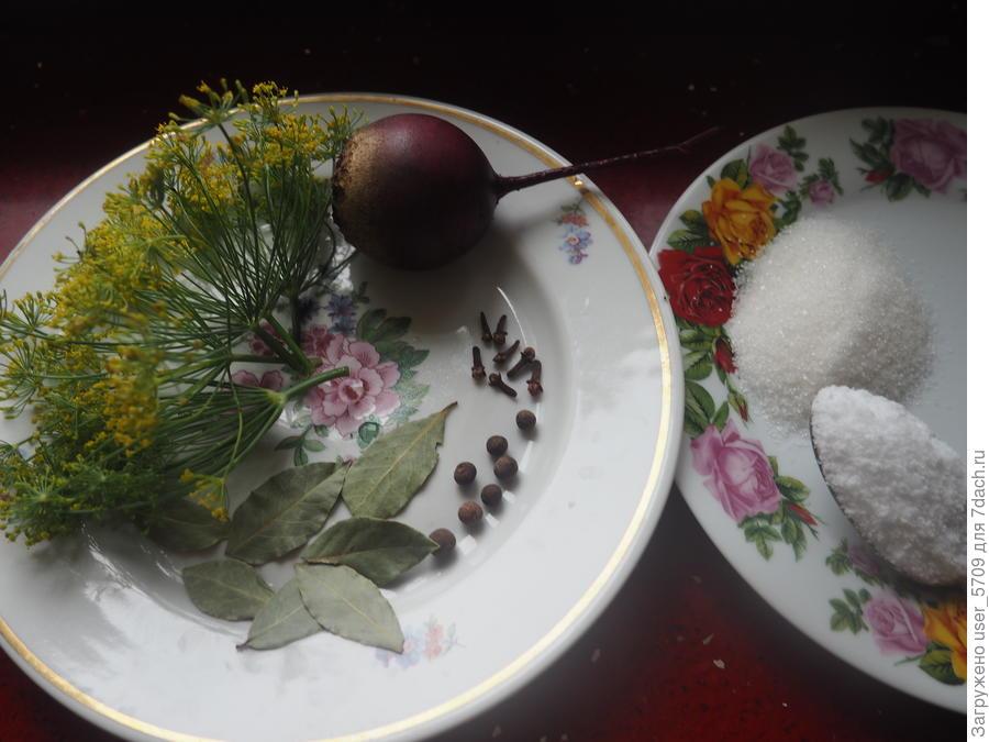 Консервируем на зиму маринованный чеснок - отличная заготовка для самых разных блюд