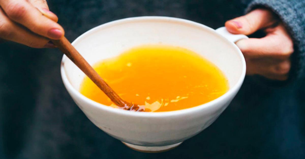 Чем на самом деле может помочь вашему здоровью тёплая вода с куркумой?