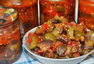 Рецепт приготовления салата из баклажан и огурцов на зиму в томатном соусе