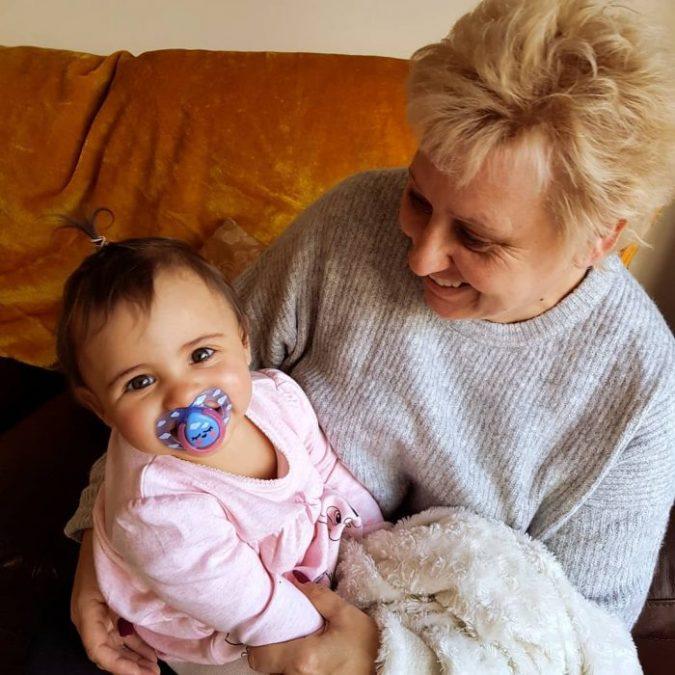 Бабушки, которые заботятся о внуках, проживут на 10 лет дольше - научно доказано