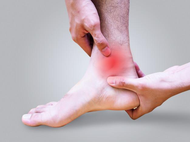 Горячий раствор хозяйственного мыла с йодом помог побороть боль в ногах за 12 дней. (Видеоинструкция)