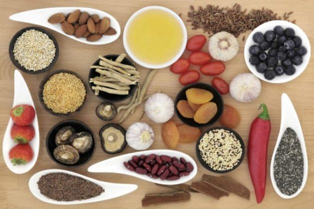 Пряности, орехи и фрукты: как жить без газов, камней и изжоги