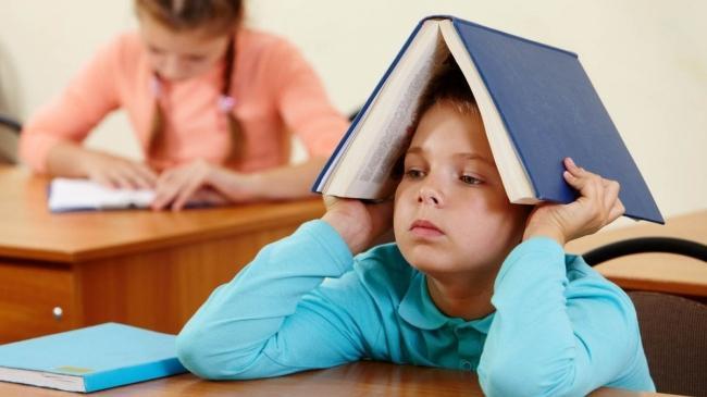 Почему современные дети не умеют учиться, ждать и с трудом переносят скуку