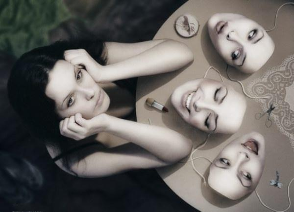 Люди никогда не меняются - они просто снимают маски. Золотая истина жизни