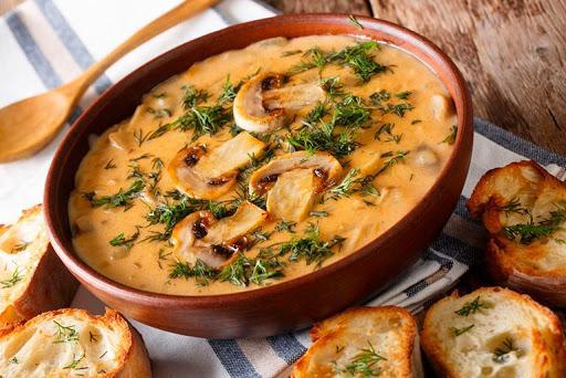 Луково-грибной суп в горшочках: этот нежнейший вкус вызывает бурю эмоций!