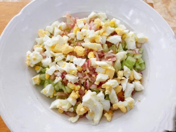 Салат с тунцом: яркий вид и необычный вкус порадует вас и ваших гостей!